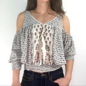 URBAN OUTFITTERS ECOTE COLD SHOULDER CROPPED TOP S